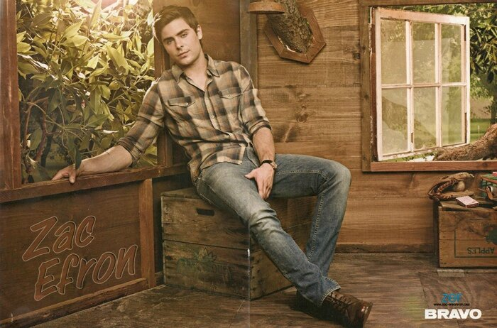 NEW-OUTTAKES-FROM-MEN-S-HEALTH-zac-efron-30854454-700-462