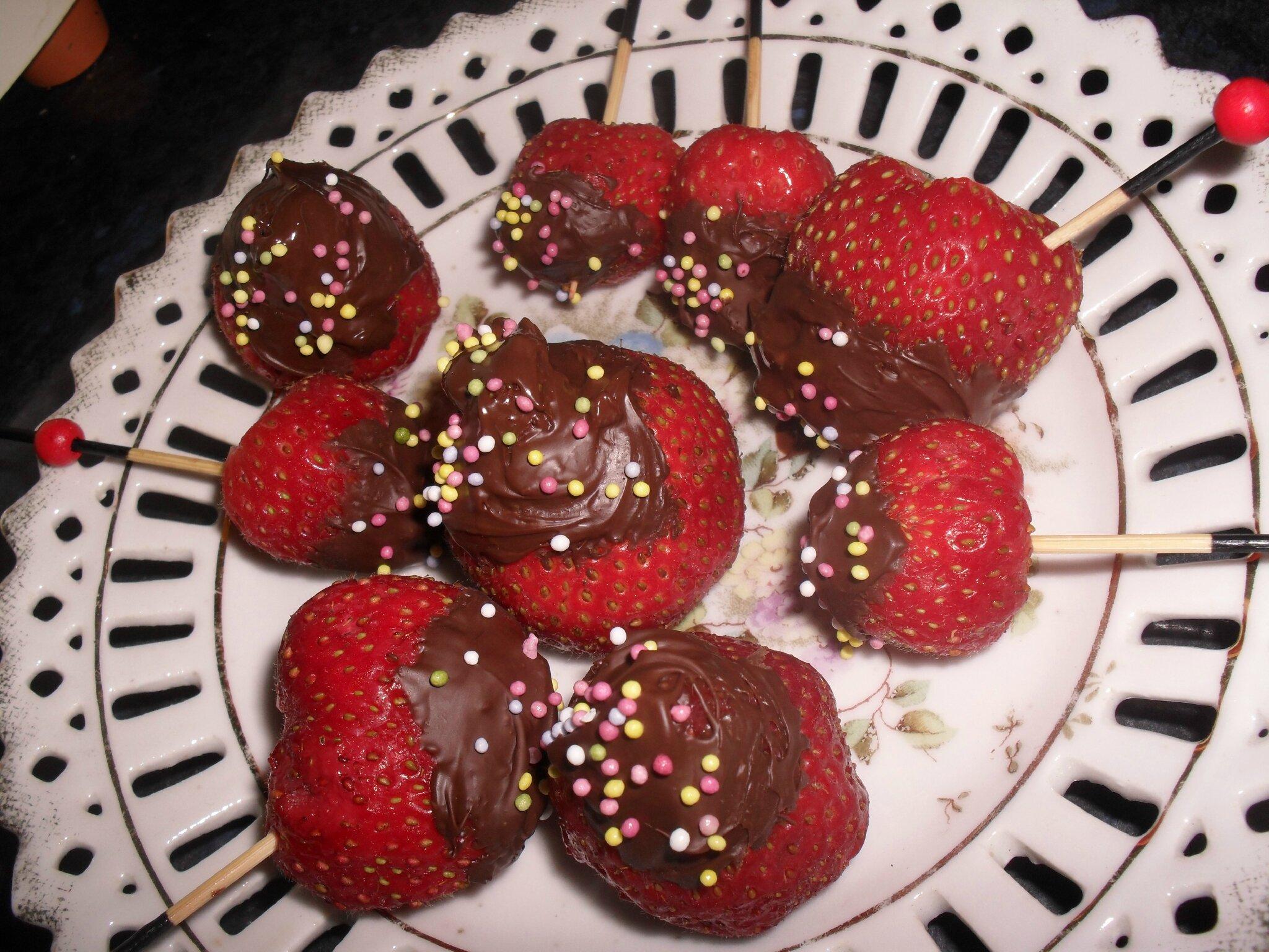SUCETTE FRAISE CHOCOLAT
