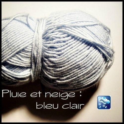 laine bleu clair