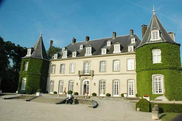 Chateau lahulpe belgique photo de les plus beaux for Le chateau le plus beau du monde