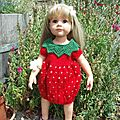 Hannah et sa robe fraise ...