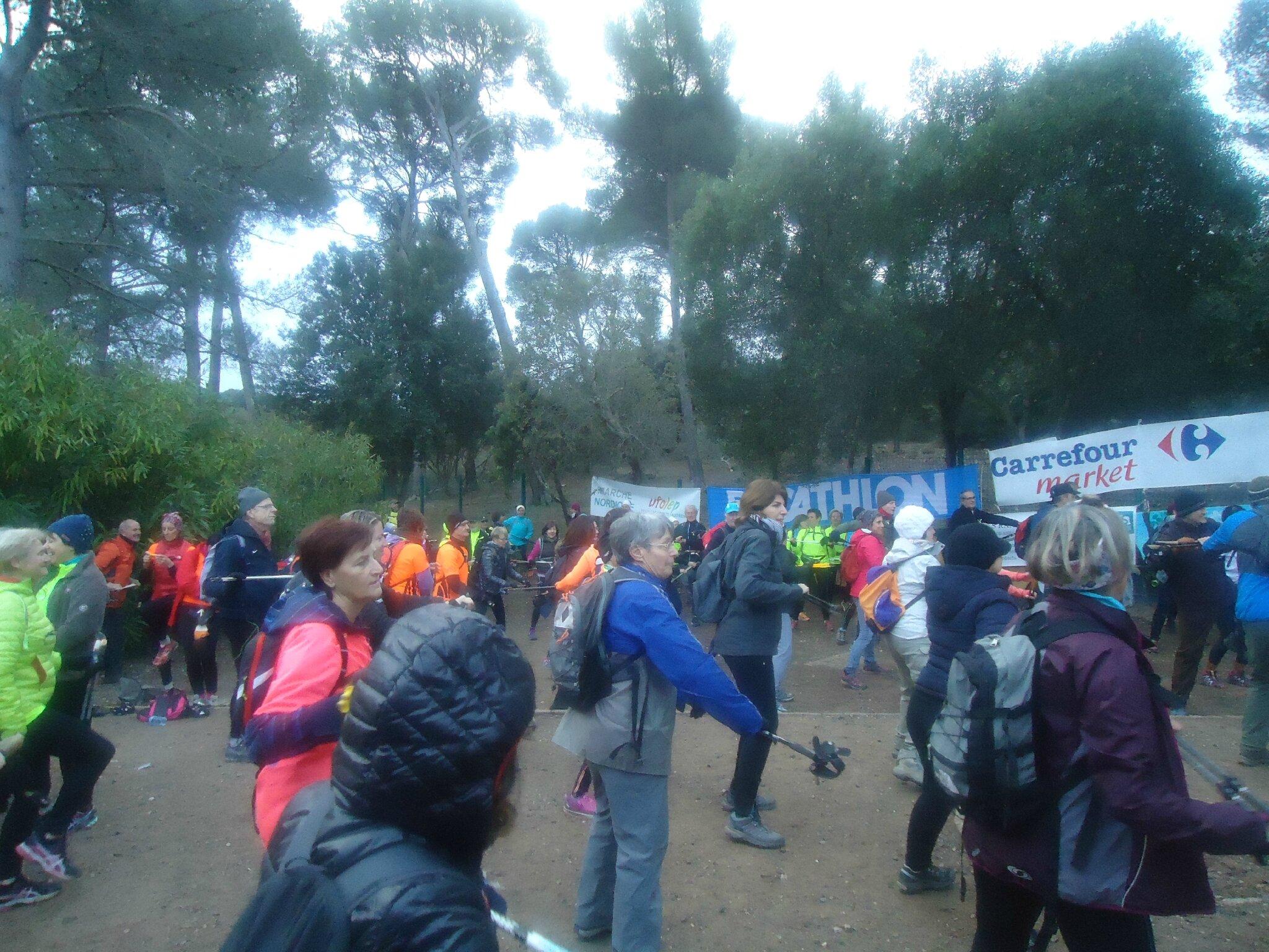 60 marcheurs du club à Janas pour la 2ème étape du challenge marche nordique UFOLEP 83!....