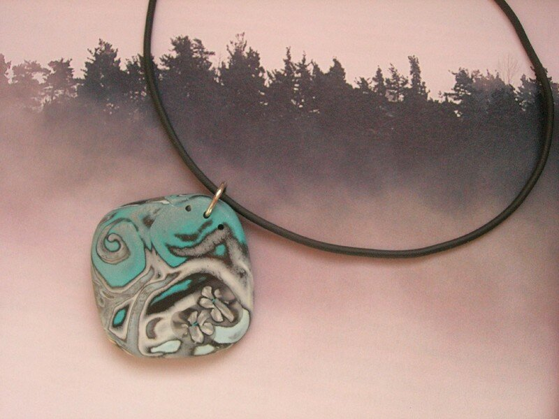 Du hidden magic turquoise et gris : le collier