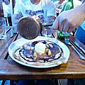 Crêpe flambée, poire chocolat itou itou. Saint-Malô. Août 2012.
