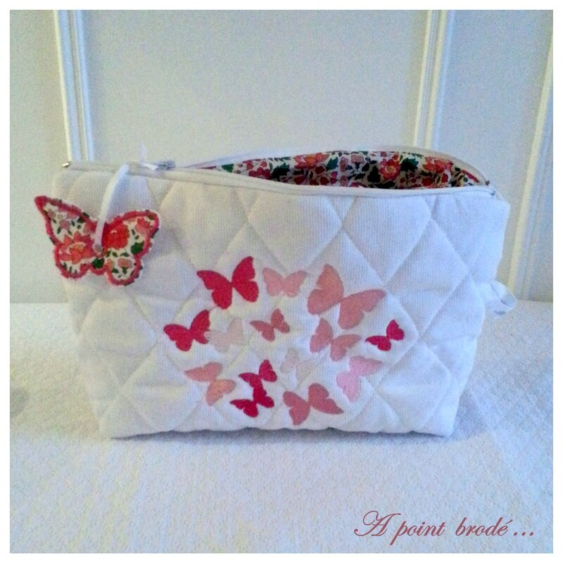 Trousse papillons Liberty d'Anjo shocking pink