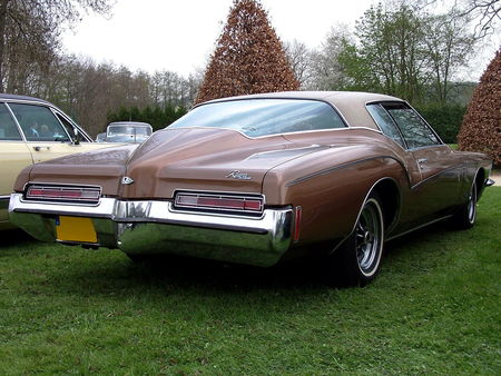 72_BUICK_Riviera_Hardtop_Coupe__4_