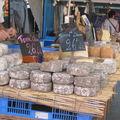 Tommes de Savoie au marché du Grand Bornand
