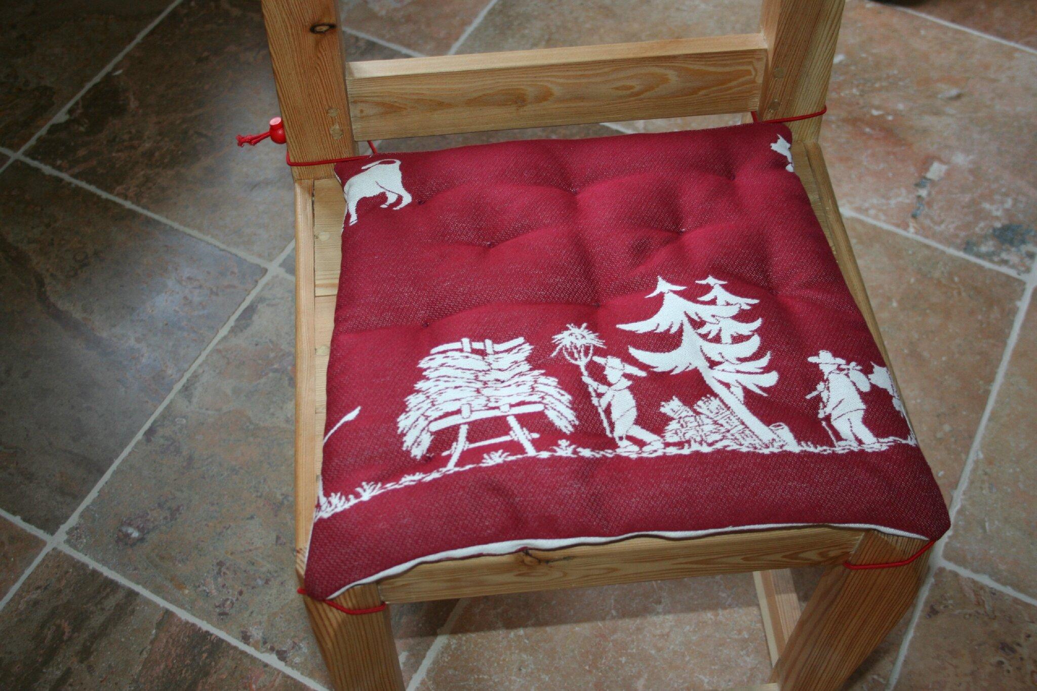 Galette de chaise avec son coussin housse de chaise - Galette de chaise avec dossier ...