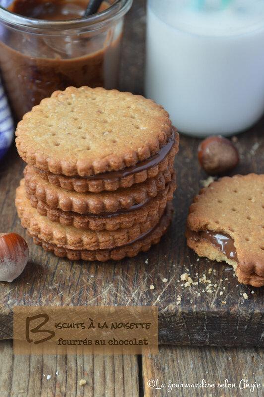 biscuits vegan à la noisette fourrés au chocolat façon prince