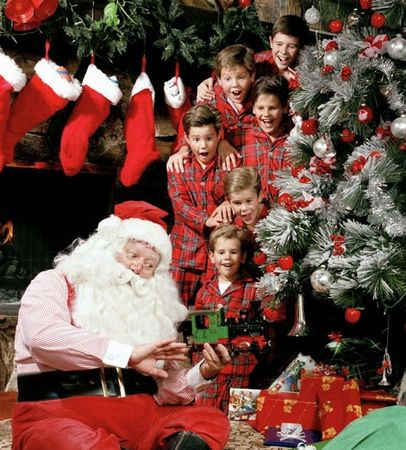 Santa-with-Osmond-Boys-med