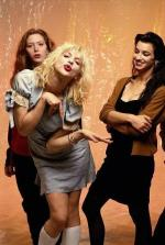 courtney_love-1993-by_kevin_cummins-1-hole-2