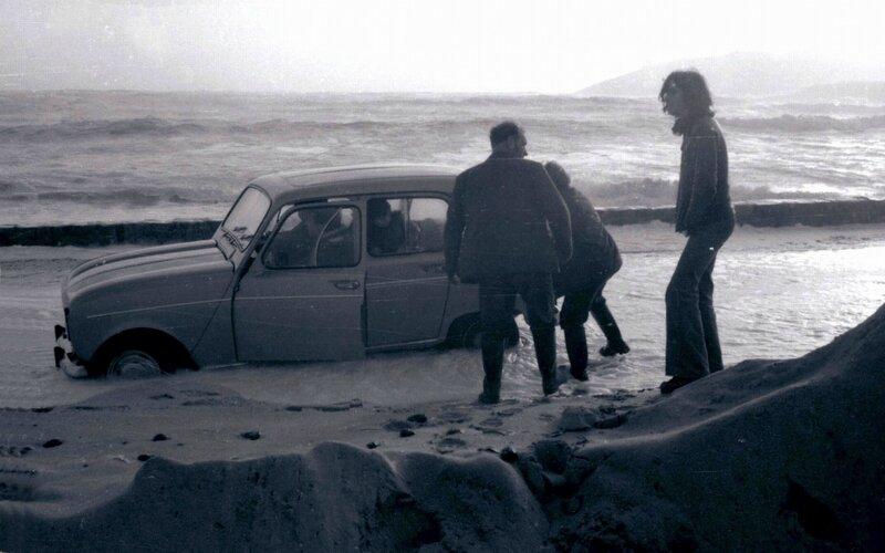 Ch26 - Voiture bloquée sur la route du Loch Primelin en 1978