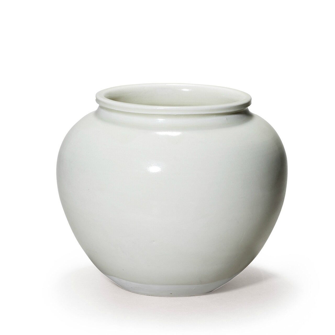 A very rare white glazed jar, Tang Dynasty (AD618-907)