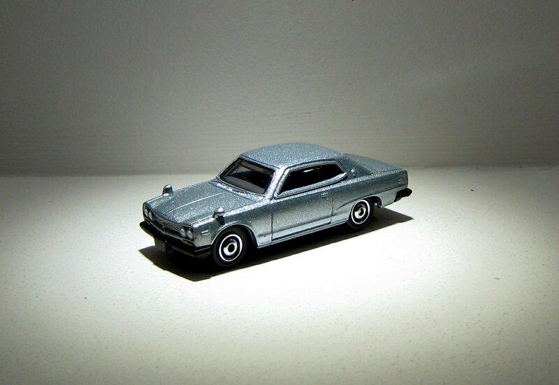Nissan Skyline 2000 GTX de 1971 (Matchbox 2017) 02