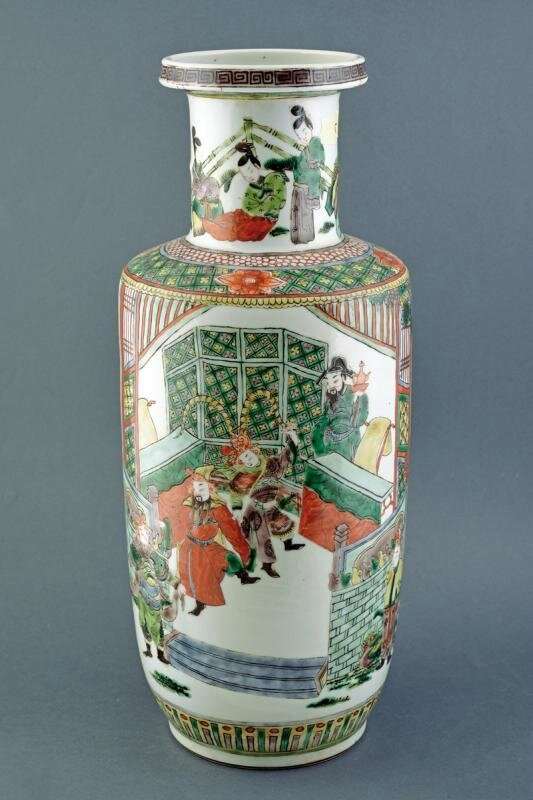 A 'famille verte' rouleau vase, Qing dynasty (1644-1911), 19th century