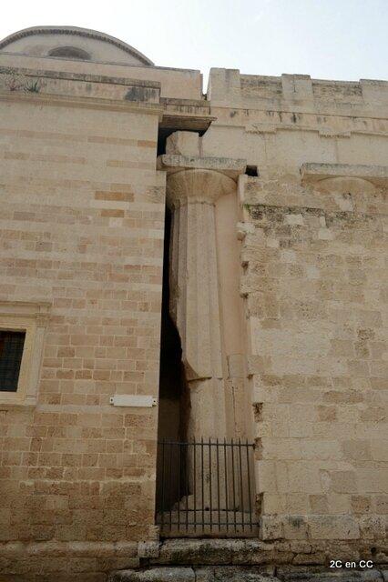 Colonne de l'ancien temple dans mur cathédrale - Duomo - Ortigia - Syracuse - Sicile
