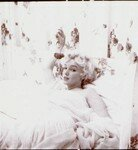 1956_feb_CecilBeaton_Bed_0010_090