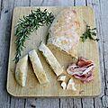Pain au lait, parmesan et herbes aromatiques
