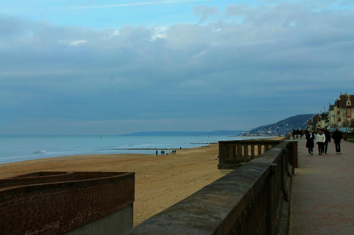 CABOURG, L'HEURE BLEUE