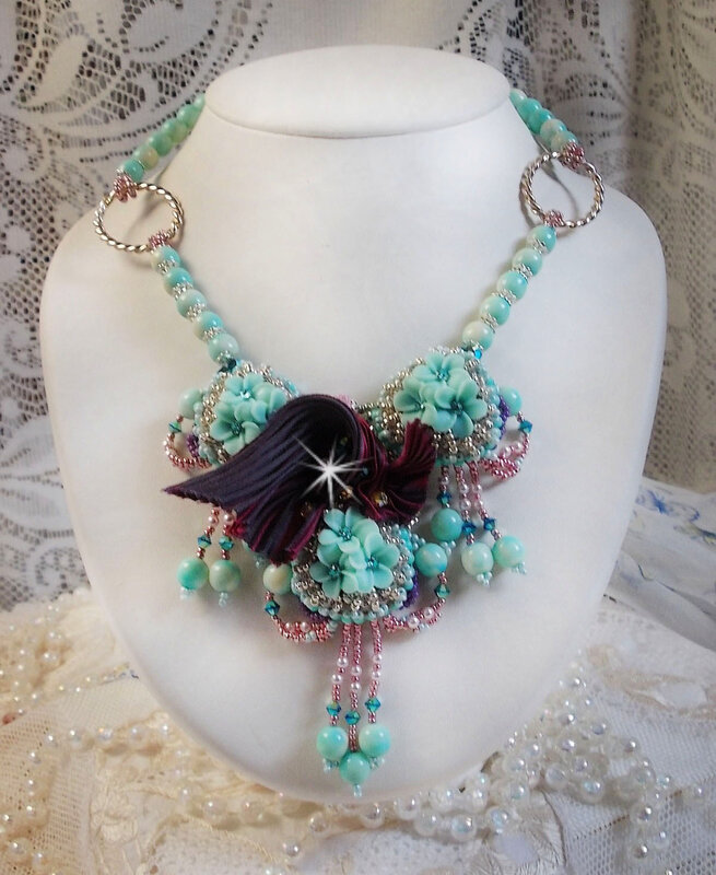 Collier Blue Flowers 9-1