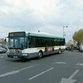 Berges de seine : l'autobus oublié