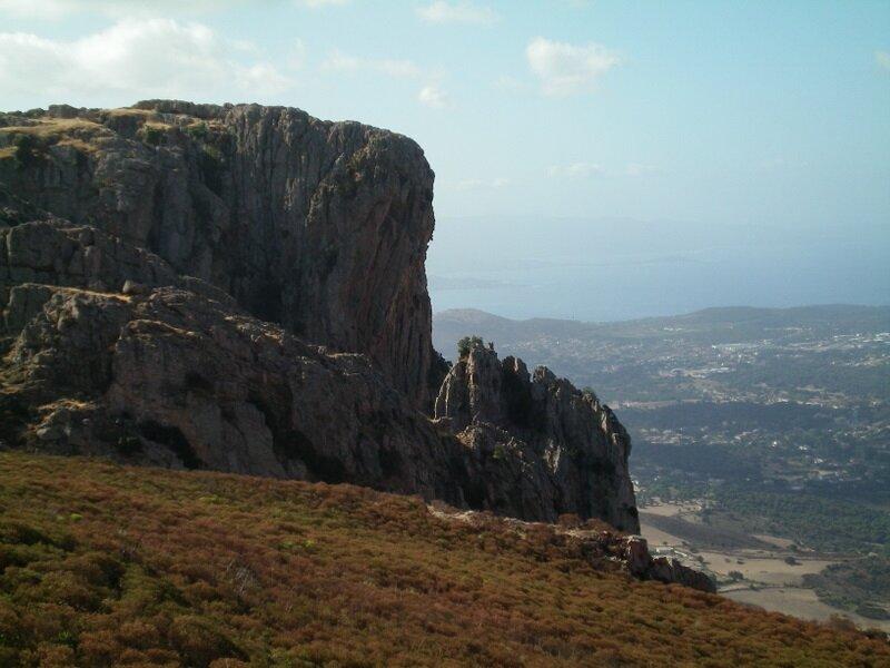 1-Mont Gozzi rocher rouge
