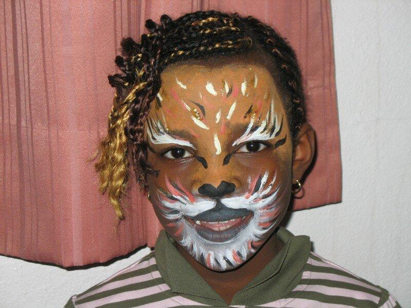 un tigre tout en beaut photo de peintures et visages du r ve. Black Bedroom Furniture Sets. Home Design Ideas