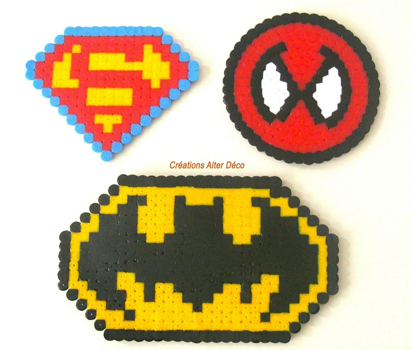 logo super héros en perles à repasser