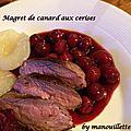 Magret de canard, sauce aux cerises