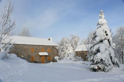 2008 12 17 La maison de Mr Piégay sous la neige