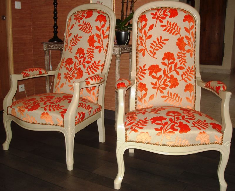 Fauteuils voltaire stephane poissel tapissier d corateur - Restauration fauteuil voltaire ...