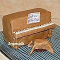 Gâteau piano 3D vue profil
