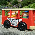 Un petit bout de souvenir...bus fisher price
