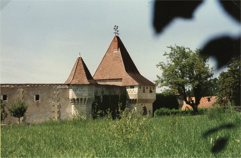 pavillon et enceinte sud-est