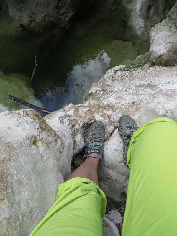 Mes pieds hésitent à entreprendre le canyoning