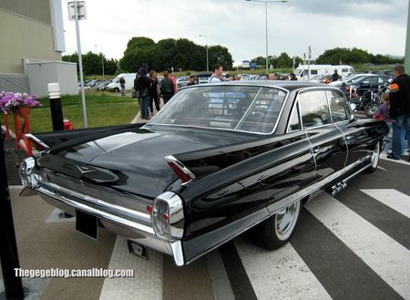 Cadillac series Sixty - two 4window hardtop sedan de 1962 (Dorlisheim) 02