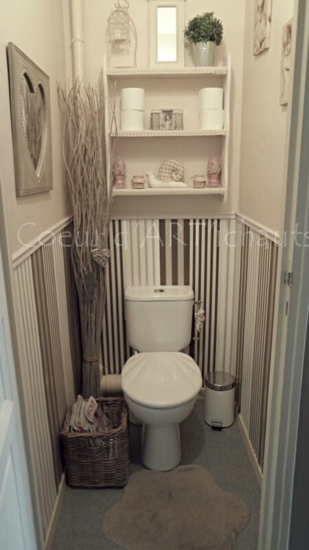 D Co Wc Shabby