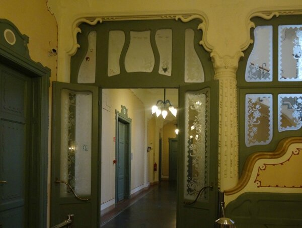 Ancienne Caisse Epargne hall1