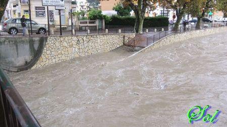 inondation_le_5_novembre_2011_rue_de_la_mourachonne_pegomas_14
