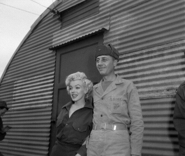 1954-02-16-4_base_1st_marine_division-kaki-with_col_william_K_jones-3-1