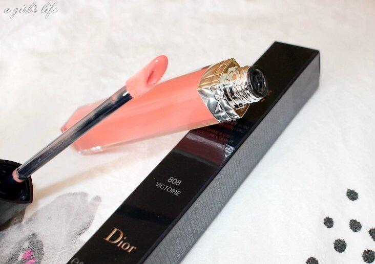 ' Victoire ' pour mon premier Rouge Dior brillant : #808 .