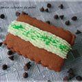 Biscuits au chocolat fourré à la mousse de pistache