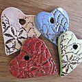 Medaillons coeurs et etoiles en ceramique