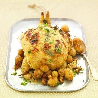 grand-fermage_poulet-farci-au-beurre-dherbes-et-pommes-grenaille-beurre