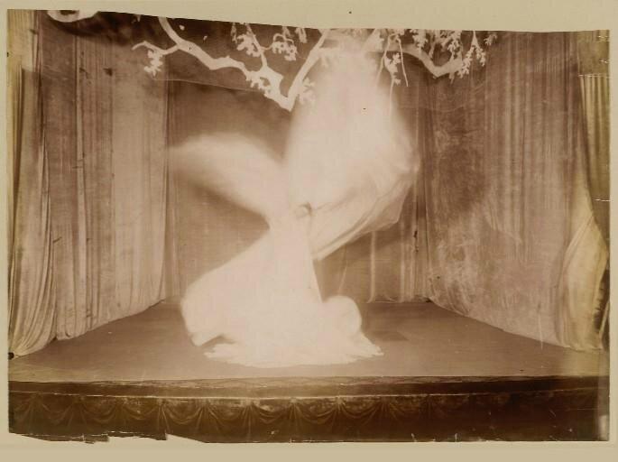 Loïe_Fuller 1901