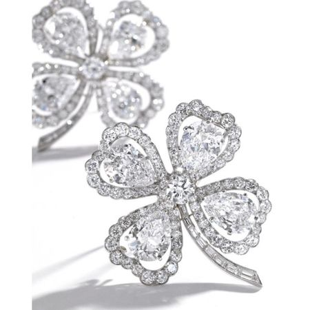 Pair_of_Platinum_and_Diamond_Clover_Brooches__Van_Cleef___Arpels__New_York__Circa_1950a