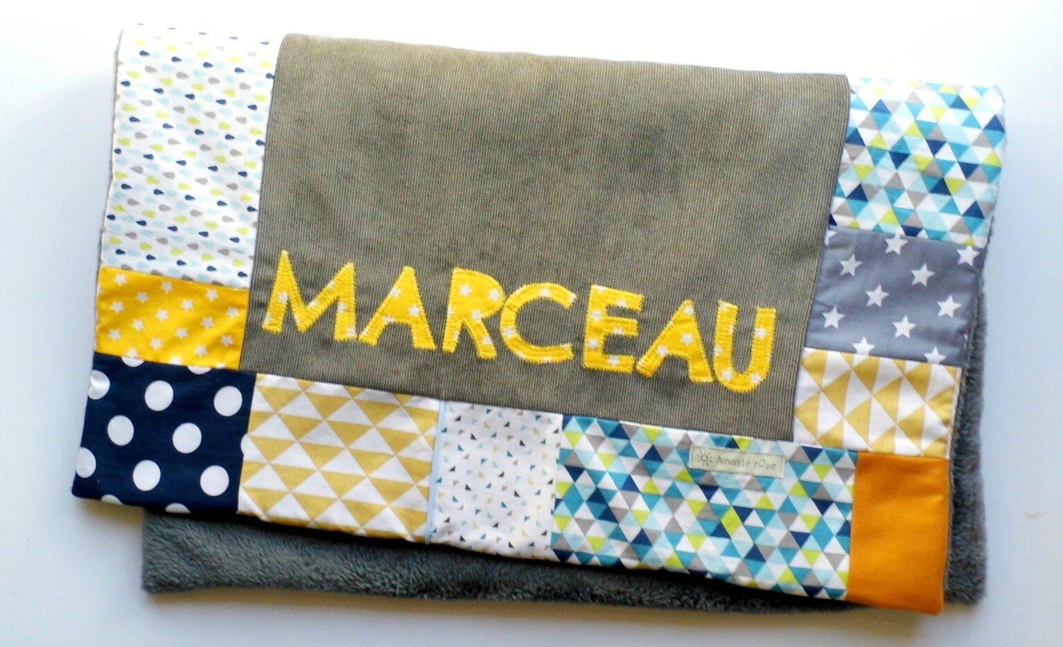 Couverture bébé personnalisée gris bleu marine jaune Marceau