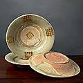Lot de trois assiettes, vietnam, dynastie des lê, 16e-17e siècle