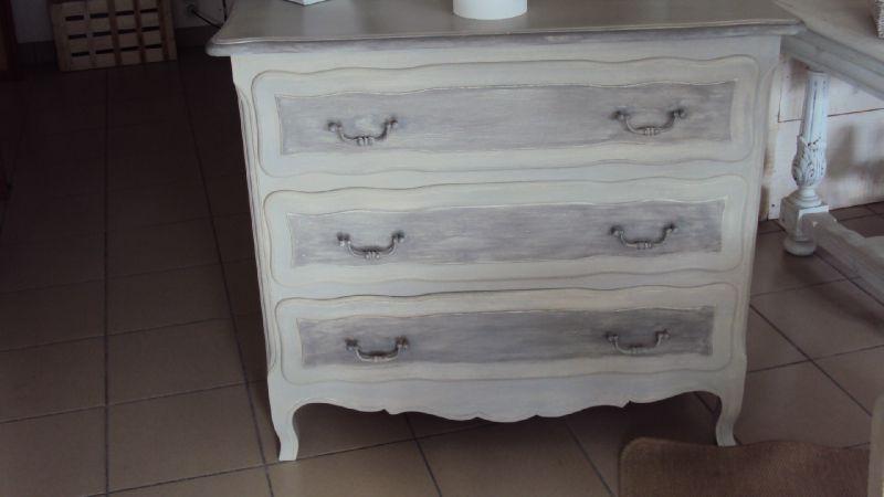commode grise et blanche good commode grise et blanche with commode grise et blanche great. Black Bedroom Furniture Sets. Home Design Ideas
