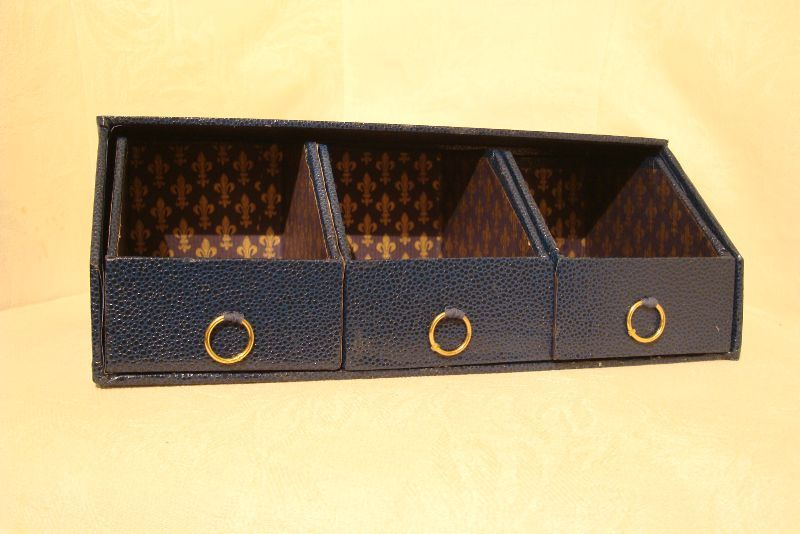 Rangement trois casiers a cartonne en couture for Rangement boutons couture